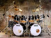 Click to get a closer view of this drum kit!